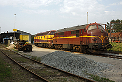 CFL Cargo MX 1023 and CFL Cargo 1807 await duty in Padborg (DK) on 5 September 2014.