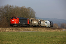 Erfurter Bahnservice MY 1131 rounds a curve at Berka with photo train 69464 (Gerstungen - Heimboldshausen) on 27 February 2016.